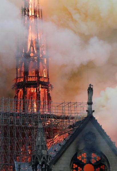 Παναγία των Παρισίων: Τεράστια καταστροφή και παγκόσμιο σοκ