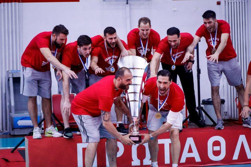 Νταμπλούχος ο Ολυμπιακός στο Handball 21-28 την ΑΕΚ!!!