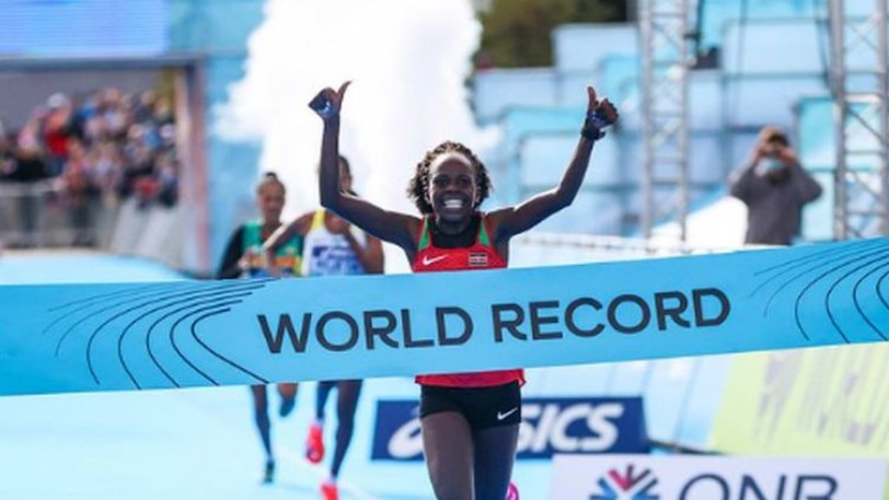 Παγκόσμιο ρεκόρ από την Τζεπτσιρτσίρ στον ημιμαραθώνιο γυναικών
